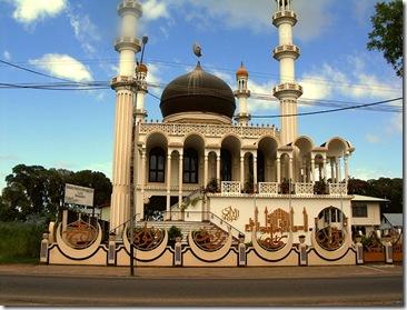 800px-Moschee-Keizerstraat-Suriname